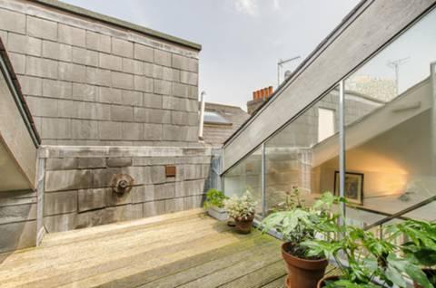 Roof Terrace in E1