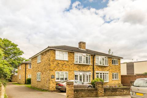 House for sale in Abbotts Mead with Foxtons