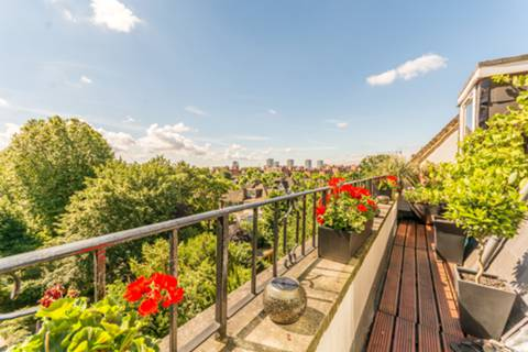 Roof Terrace in W9