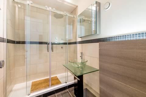 En Suite Shower Room in W4