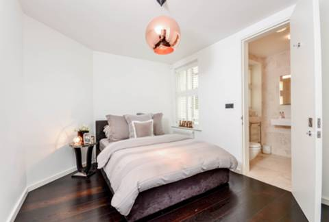 Master Bedroom in W14