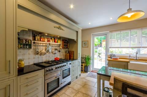 Kitchen in N10