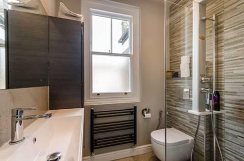 En Suite Shower Room in SW15