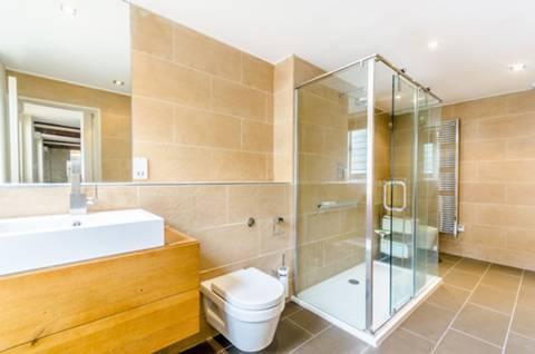 En Suite Shower Room in E1W
