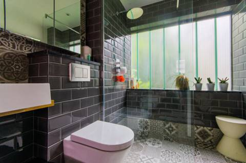 En Suite Shower Room in SW11