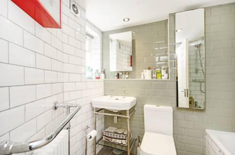 Bathroom in E8