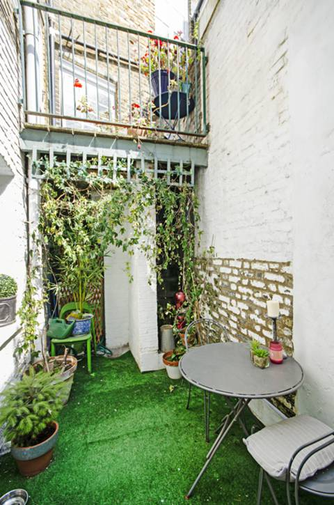 Courtyard in E8