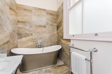 Bathroom in SE25