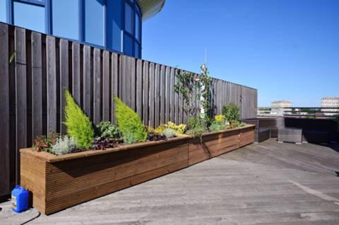 <b>Roof Terrace</b><span class='dims'> 11'6 (3.51m)</span>