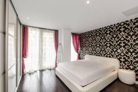Master Bedroom in E14