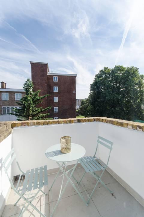 Terrace in W14