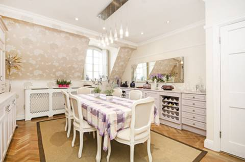Dining Room in NW11