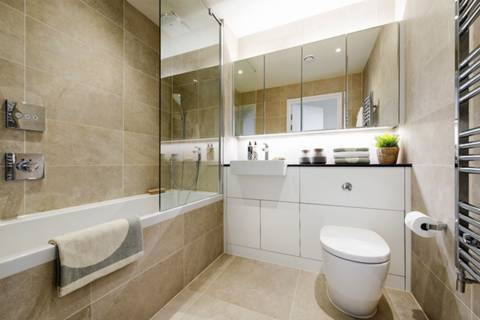 Bathroom in N19
