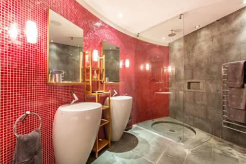 En Suite Shower Room in W11