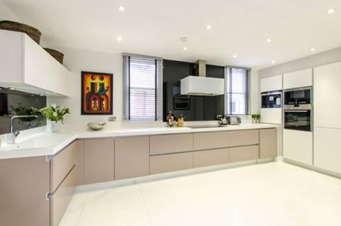 Kitchen in SW1P