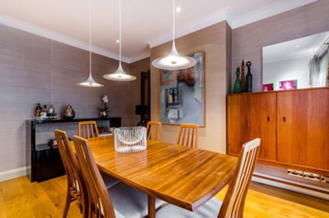 Dining Room in KT17