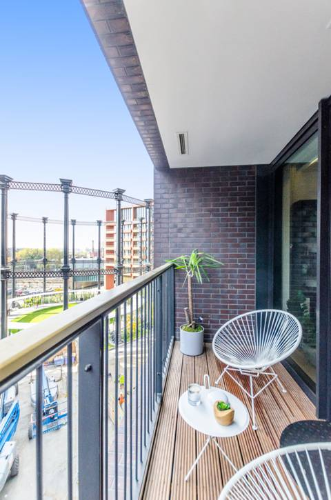 Balcony in N1C
