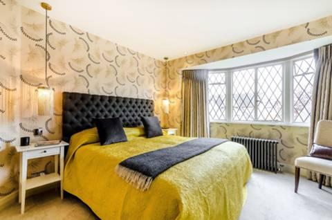Master Bedroom in KT17