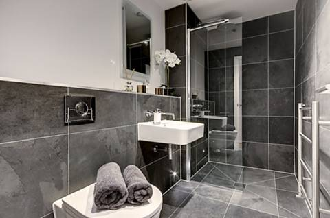 En Suite Shower Room in TW1
