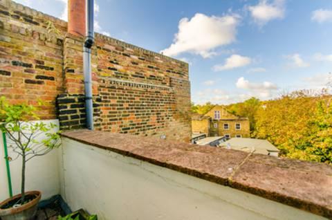 <b>Third Terrace</b><span class='dims'></span>