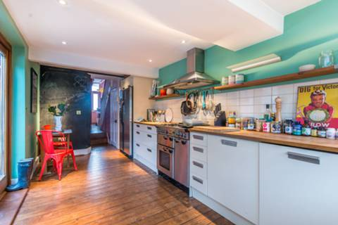 Kitchen in N16