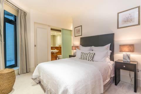 Master Bedroom in W1W
