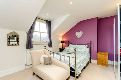 Bedroom in SW15