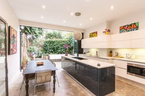 Kitchen/Dining Room in NW11
