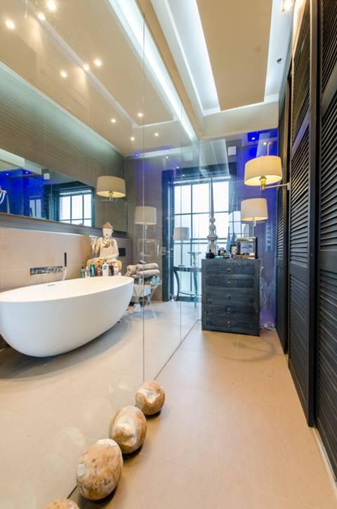 En Suite Bathroom in E3