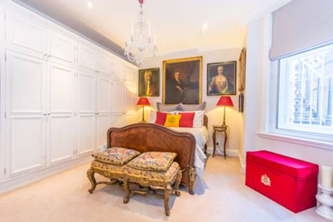 Master Bedroom in W1J