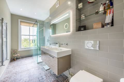 Shower Room in W5