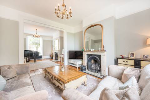 Double Reception Room in W5