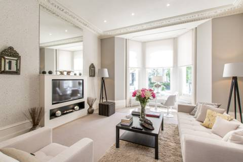 Reception Room/Dining Room in SW10