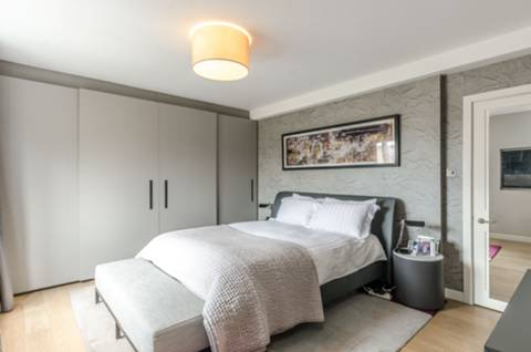 Master Bedroom in E1W