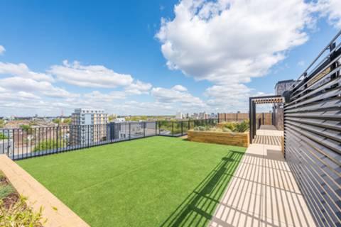 <b>Communal Roof Terrace</b><span class='dims'></span>