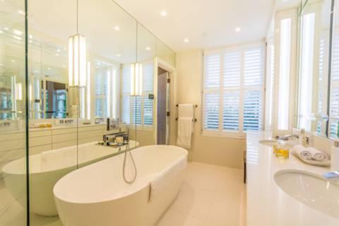 En Suite Bathroom in W1H