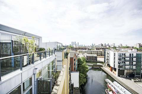 Terrace in E8