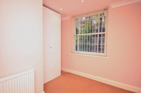 <b>Third Bedroom</b><span class='dims'> 10'3 x 10' (3.12 x 3.05m)</span>