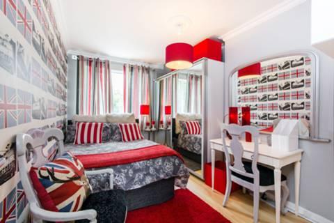 Bedroom in SE27
