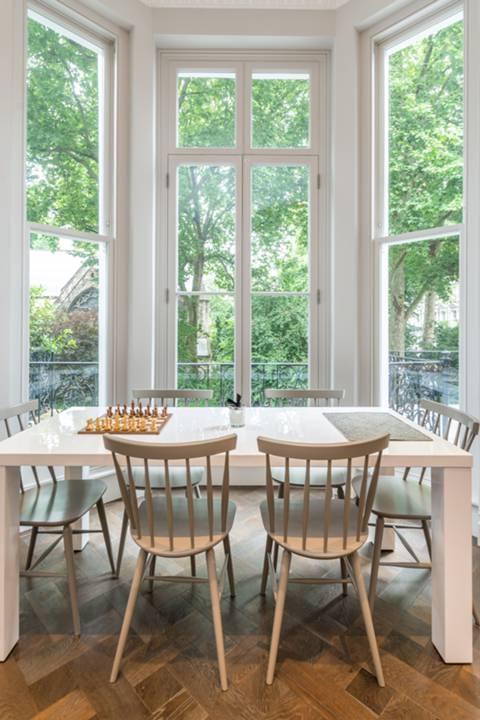 <b>Reception Room/Dining Room</b><span class='dims'></span>