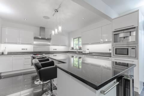 Kitchen in IG10