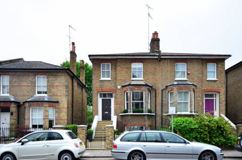 Ravenscourt Rd, London W6, UK - Source: Foxtons