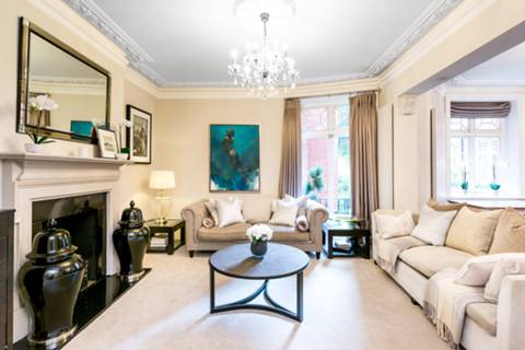 Double Reception Room in W8