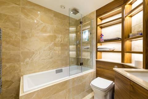 Bathroom in SW1V