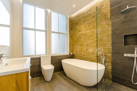 En Suite Bathroom in EC2A