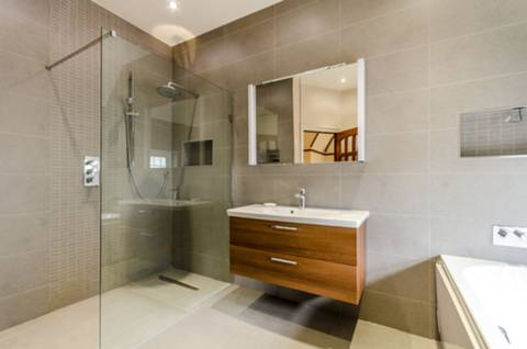 En Suite Bathroom in KT6
