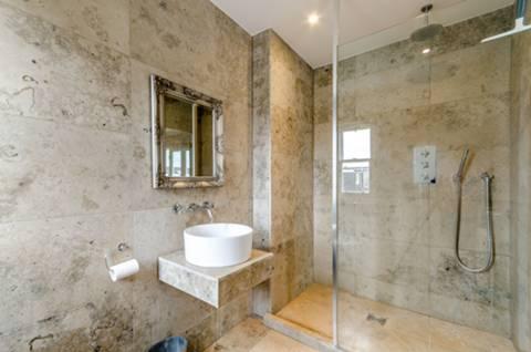 En Suite Shower Room in SW19