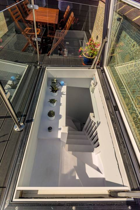 Roof Terrace in TW8