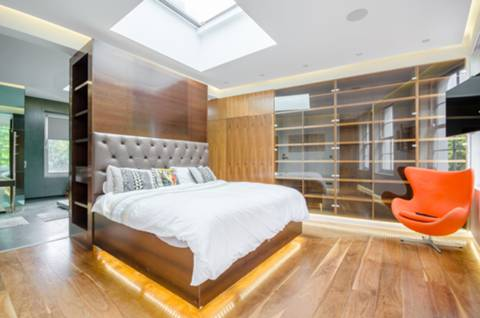 Master Bedroom in E9