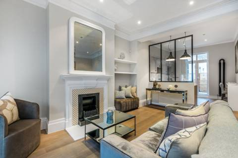 Reception Room in W11